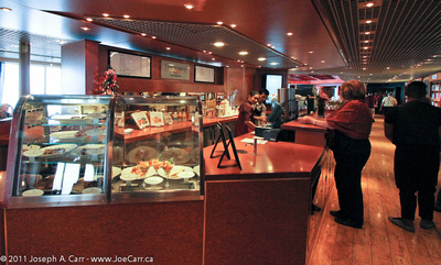 JoeTourist: Rotterdam, the ship &emdash; Explorations Cafe counter