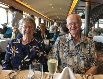 John and Wendy enjoy some bubbly at the Mariner Lunch