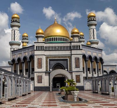 Woman's Entrance,Jame Asr Hassanil Bolkiah new mosque