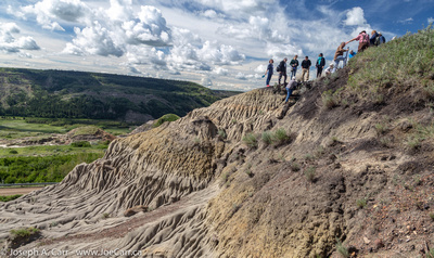 JoeTourist: Dry Island Buffalo Jump Park &emdash; The group expores a ridgeline for the K/T Boundary