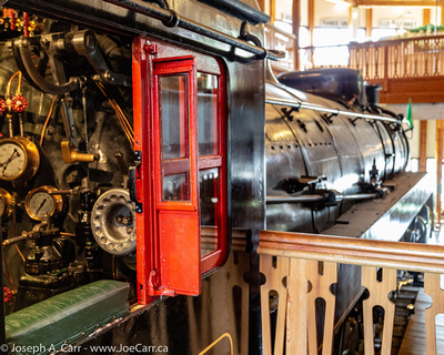 JoeTourist: Revelstoke &emdash; Steam Engine 5468 engineer's seat