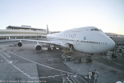 JoeTourist: To/from Canada & Fiji &emdash; Air New Zealand Boeing 747-400