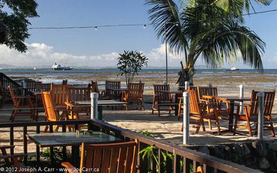 JoeTourist: Lautoka & Nadi &emdash; Restaurant patio area