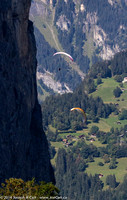 Hang gliders above Stechelberg in the Lauterbrunnen valley
