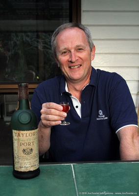 JoeTourist: Glenfalloch B&B &emdash; Joe sampling Taylor's Port - Rich Old Tawny 1981