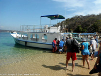 Snorkel group boarding the boat