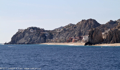JoeTourist: Cabo San Lucas &emdash; Beachfront condos and hotels on the Pacific side of Cabo San Lucas