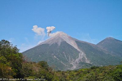 JoeTourist: Antigua &emdash; Volcan Fuego emitting smoke
